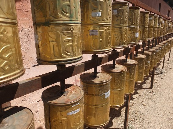 Prayer wheels outside Sainshand monastery
