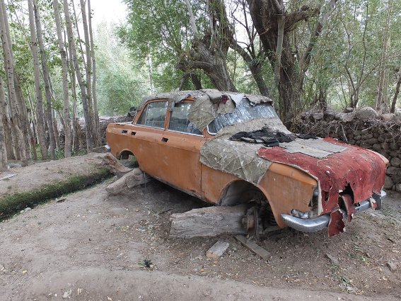 Only scrapped car I saw in Zong