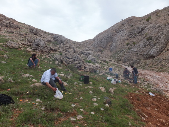 Lunch with Kurdish road-workers near the top of mount Nemrut