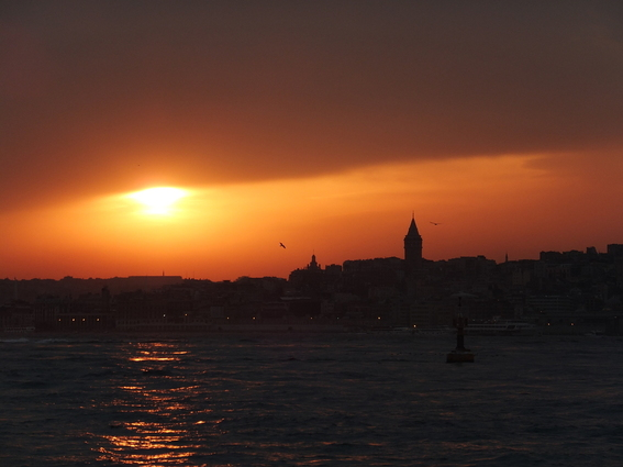Sunsut over Istanbul and the Galata tower